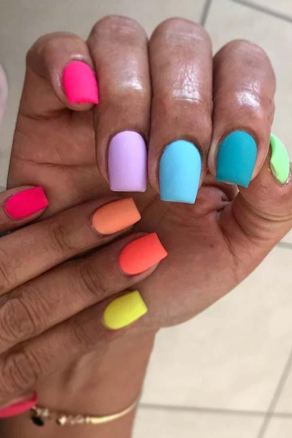 Summer Matte Nails