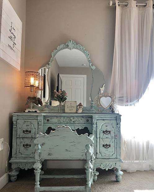 Chic Up-cycled Vanity Table