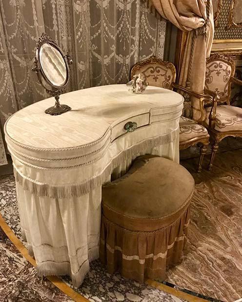 Glam Vintage Vanity Table