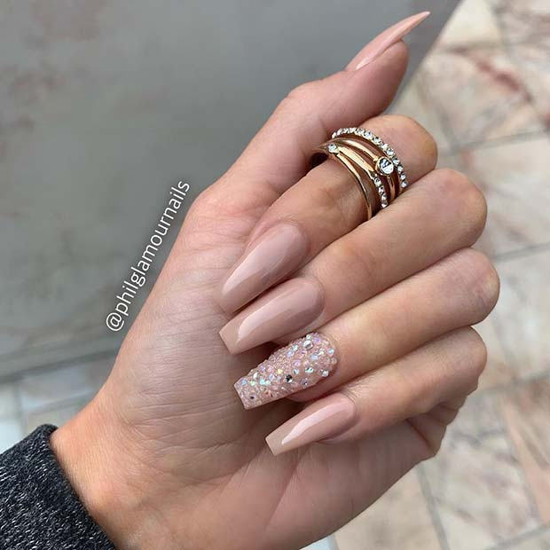 Nude Nails a with Crystal Accent Nail