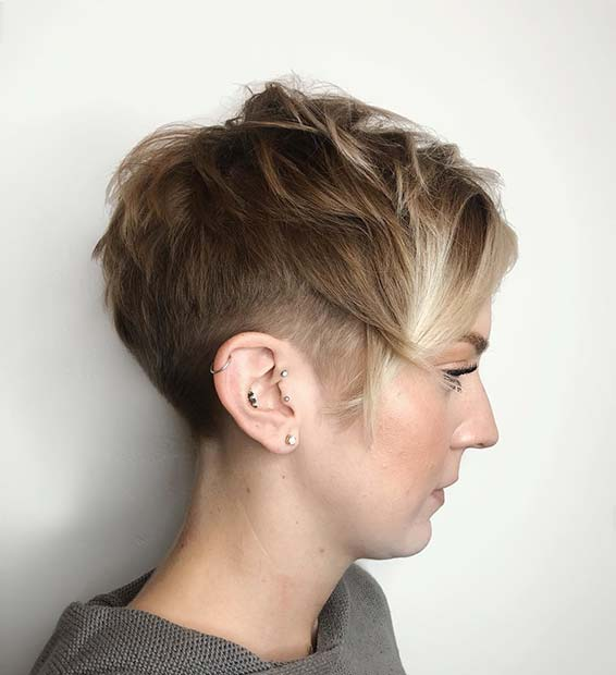 Stylish Light Brown Cut with Blonde Highlights