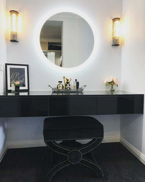 Vanity Table for the Trendsetters