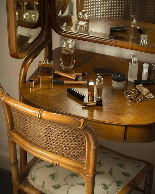 Vintage Glamour Vanity Table