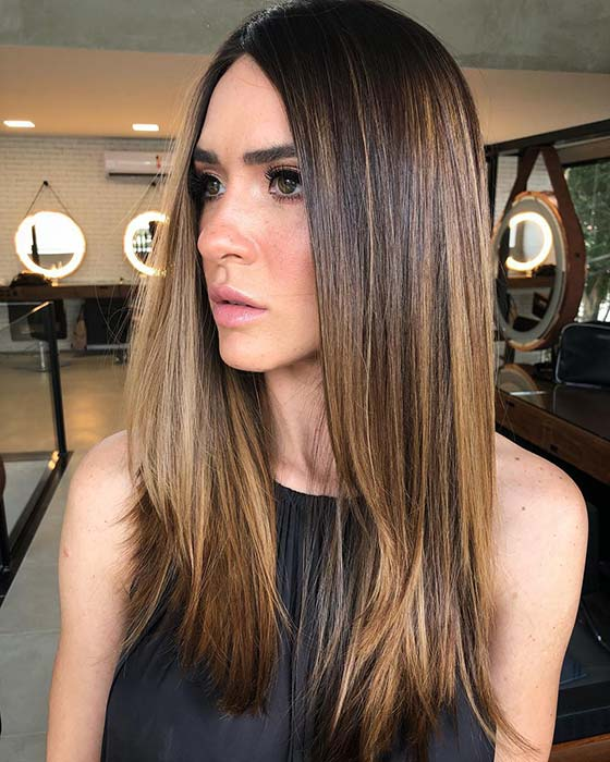 Chic Caramel Highlights for Brunettes