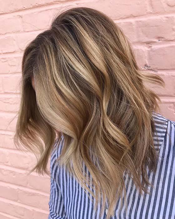 Stylish Short Cut with Caramel Highlights
