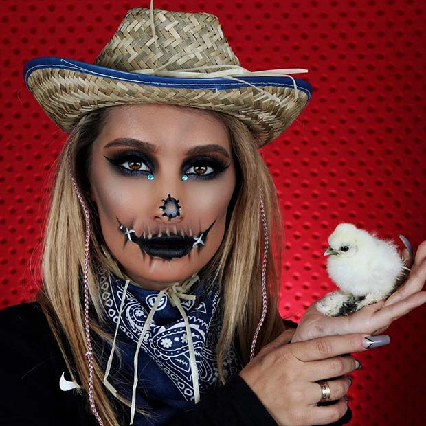 Cool Scarecrow Makeup and Costume Idea