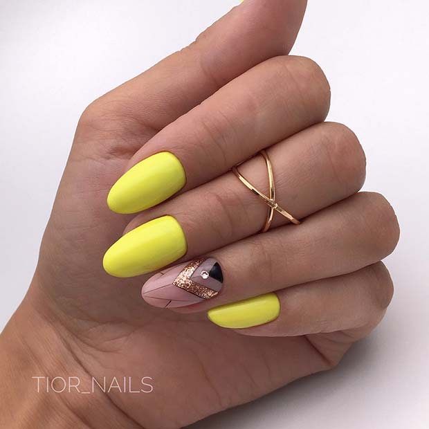 Short Yellow Acrylic Nails