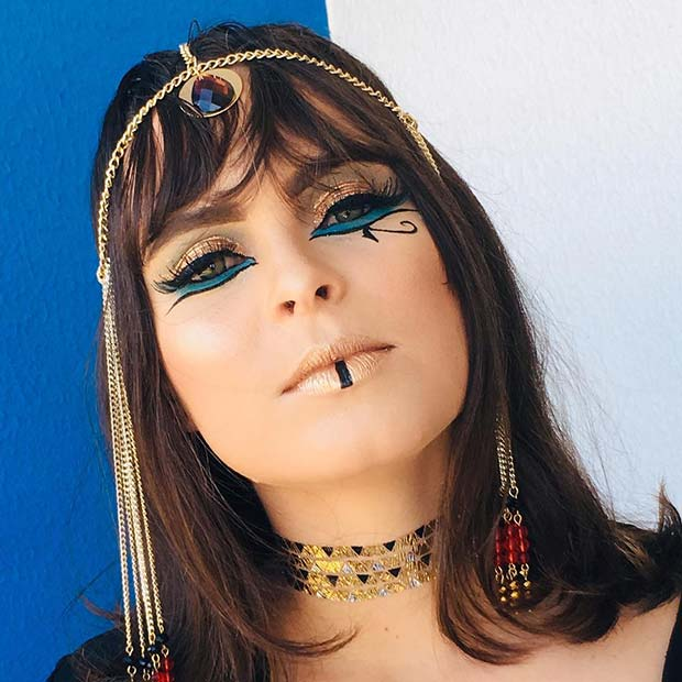 Glam and Gold Cleopatra Makeup Idea