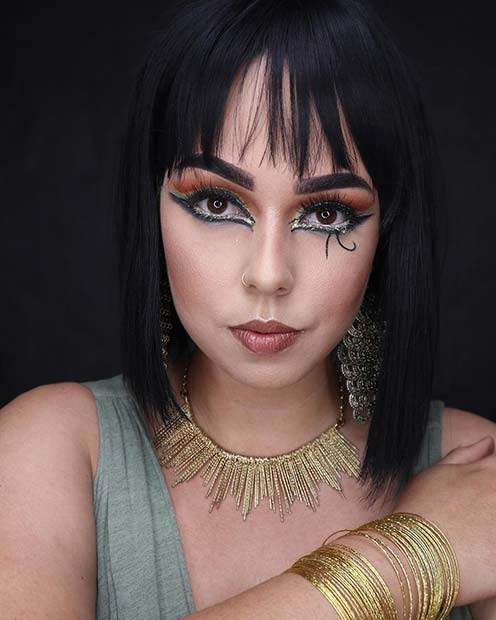 Simple Cleopatra Makeup Idea