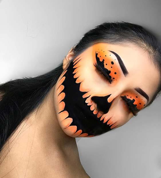 Simple but Creepy Pumpkin Makeup Idea