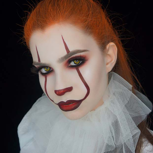 Scary Pennywise Makeup and Costume