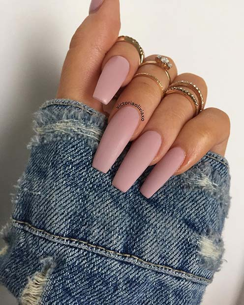 Chic and Simple Nude Nails