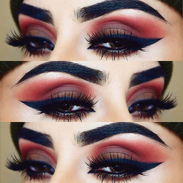 Dark Blue Eyeliner for the Fall