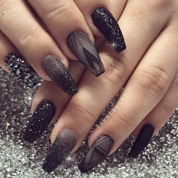 Elegant Black Nail Idea for Coffin Nails