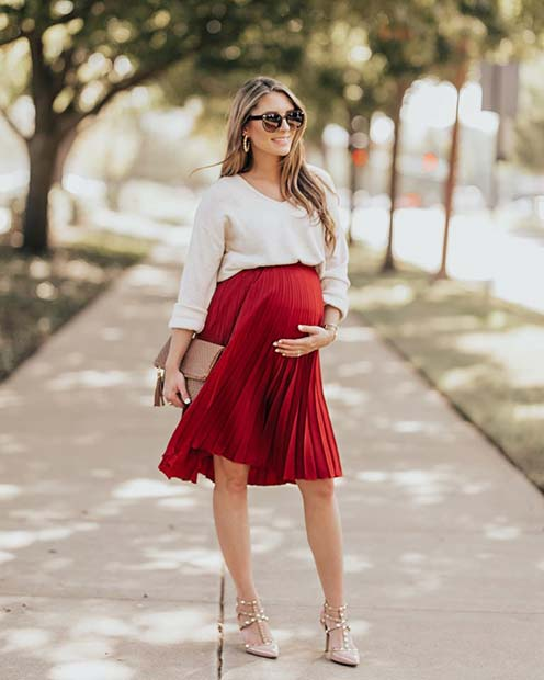 Glam Pregnancy Outfit for Christmas