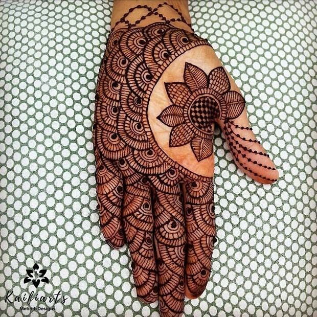 Amazing Henna Design with a Flower