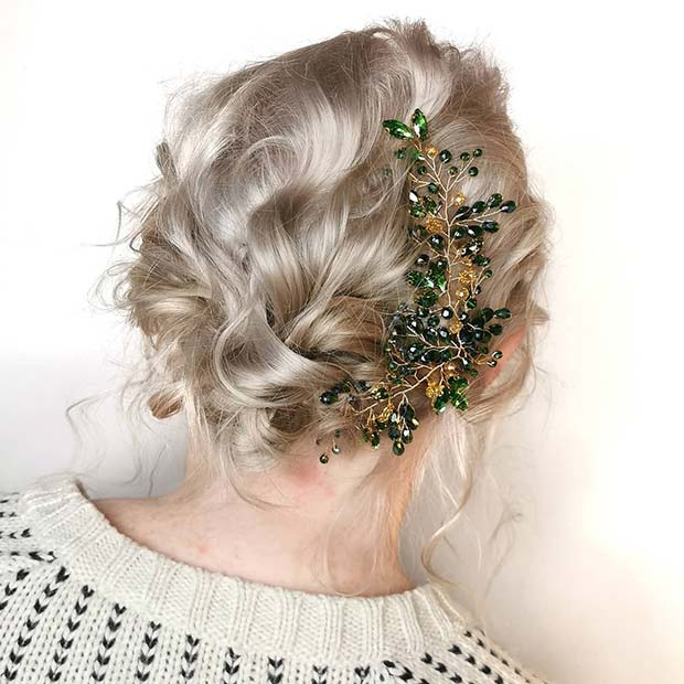Glam Christmas Hairstyle