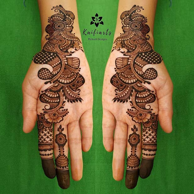 Henna Design on Fingers to Wrists