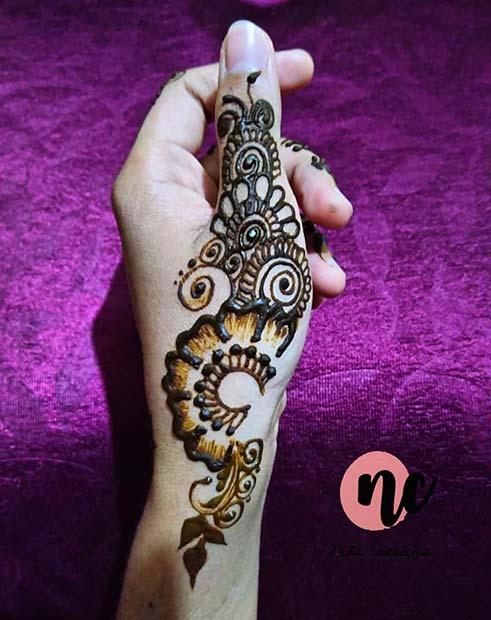 Henna Design on the Thumb