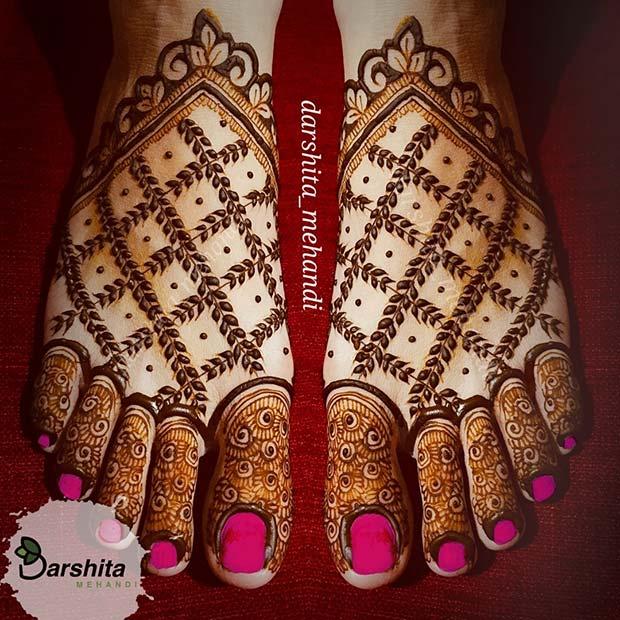 Matching Henna on the Feet