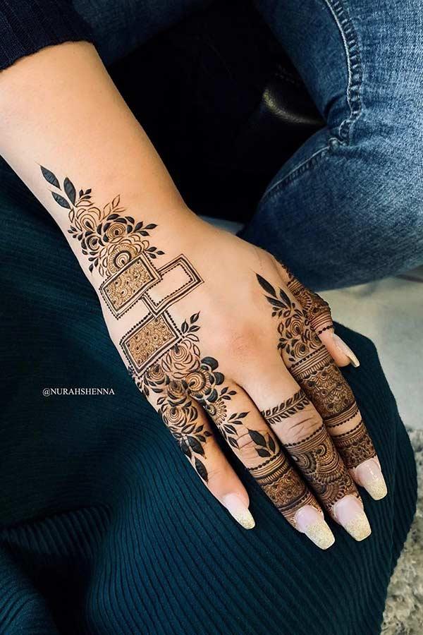 Pretty Henna Hand Design