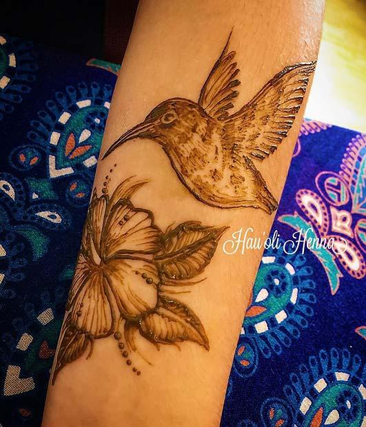 Pretty Hummingbird and Flower Design