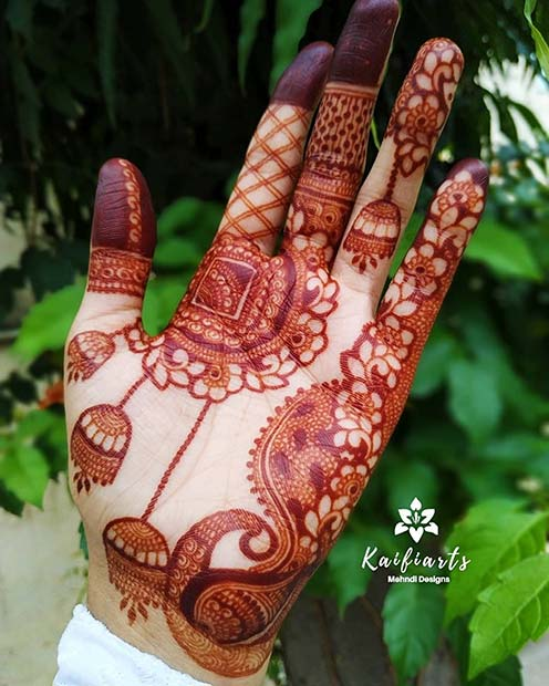 Stunning Red Henna Idea
