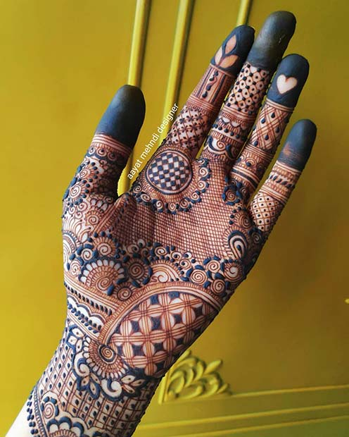 Stunning Whole Hand Henna with a Heart