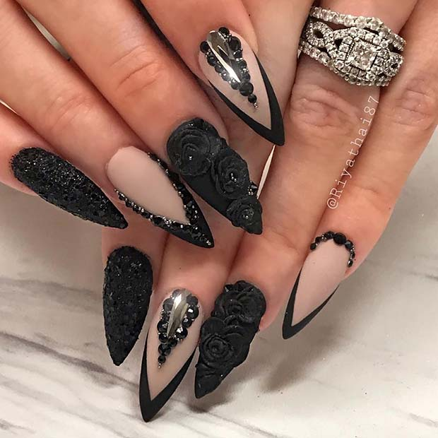 Beautiful Mani with Black Roses
