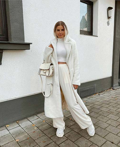 Casual All White Outfit Idea