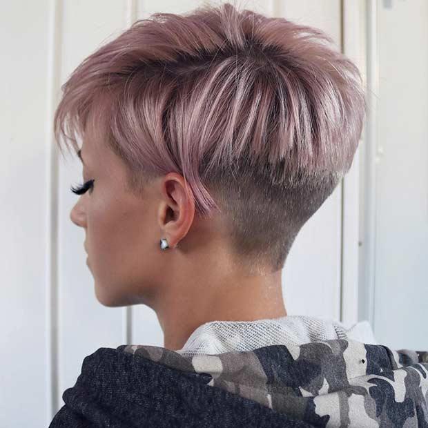 Pastellrosa Pixie Cut