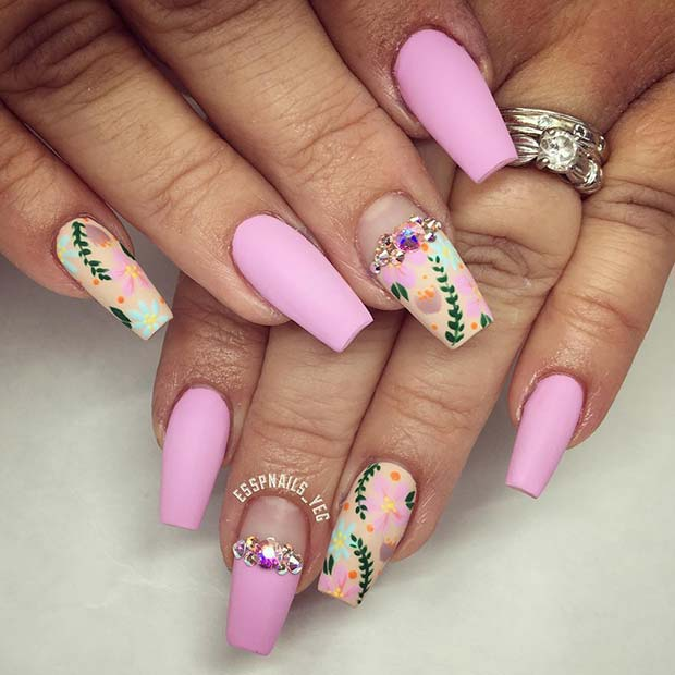 Pretty Floral Nail Design