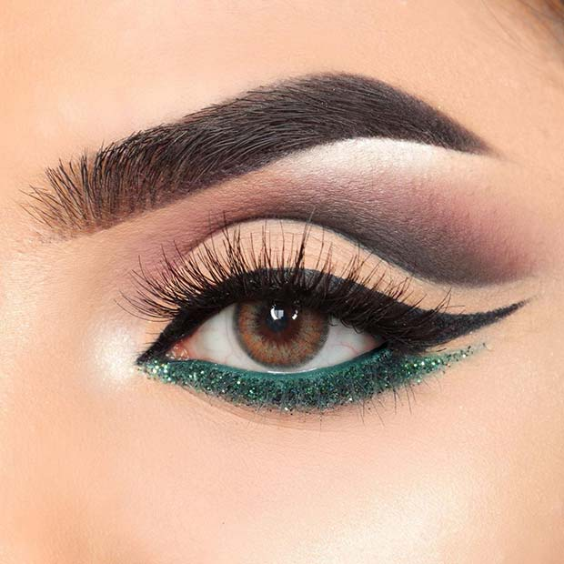Classic Eyeliner with a Flash of Green