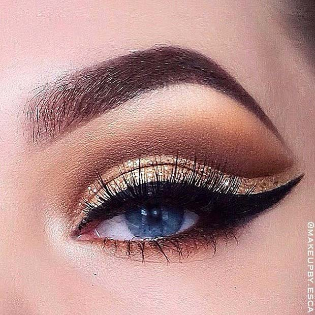 Glam Gold Makeup with Eyeliner