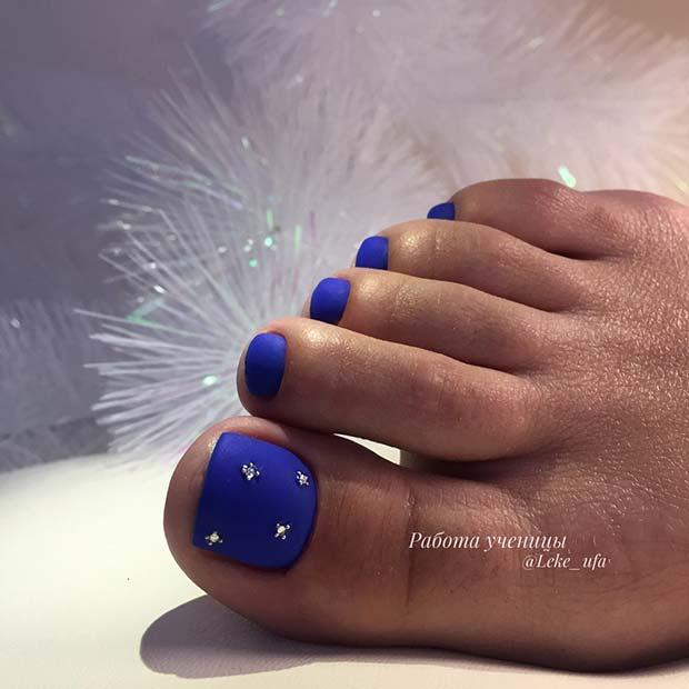 Matte Blue Toe Nail Art Idea