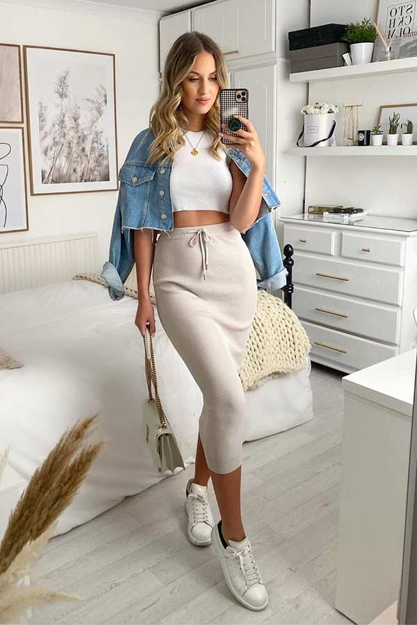 Casual Skirt and Top Outfit Idea
