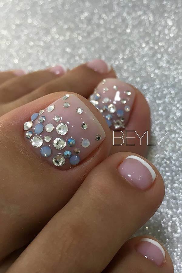 Elegant Toe Nail Art with Rhinestones