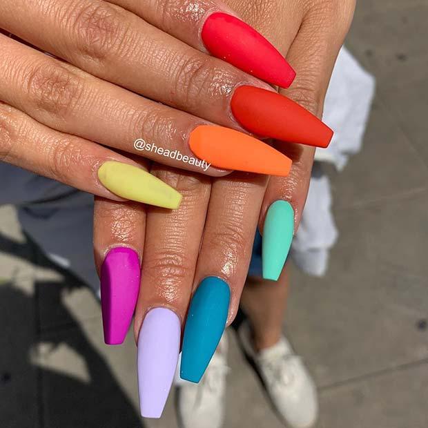 Mat Çok Renkli Çiviler