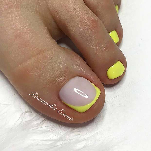 Summery Neon Yellow Toe Nails