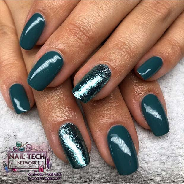 Teal Nails with a Glitter Accent Nail