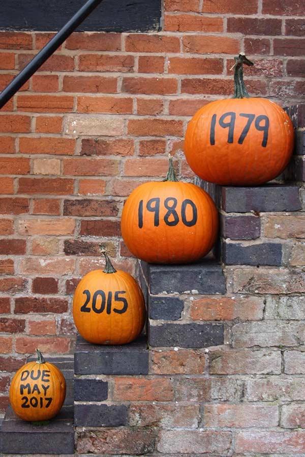 Easy Pumpkin Pregnancy Announcement