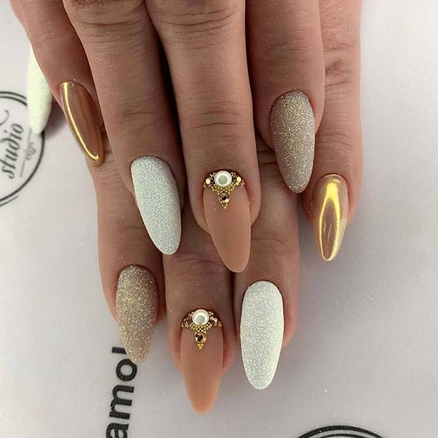 Elegant and Trendy Nail Art Idea for Almond Nails