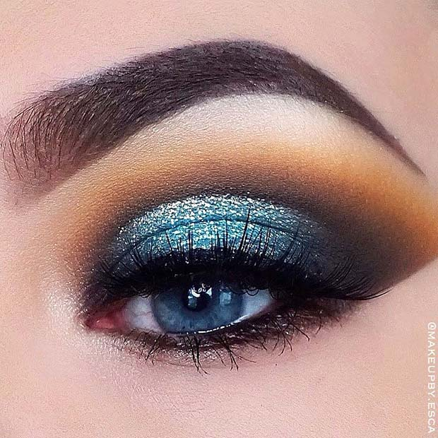 Metallic Blue Eyeshadow Look