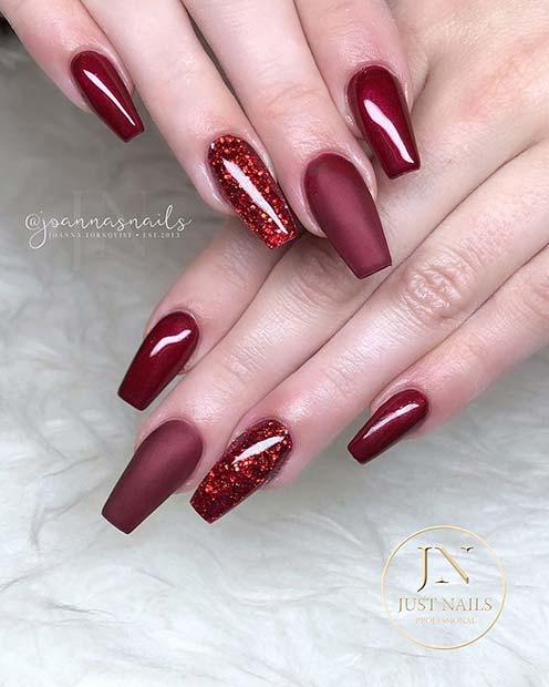 Matte and Glitter Nail Design
