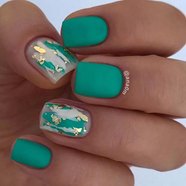Vibrant Green Short Nails with Gold