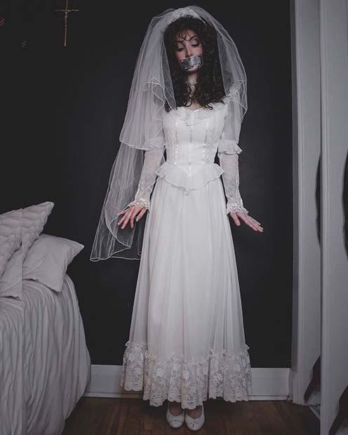 Beetlejuice Barbara Halloween Costume