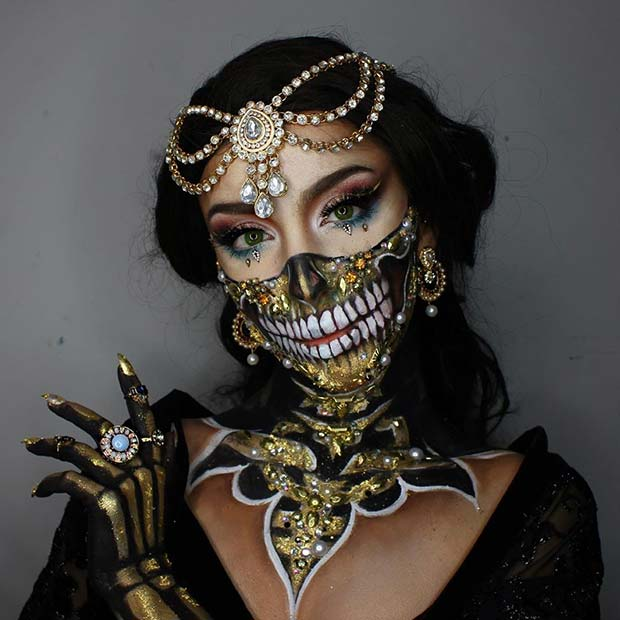 Glitzy Skull Illusion