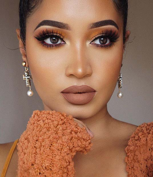 Makeup with Warm Nude Tones