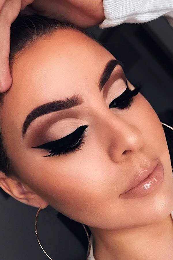 Nude Cut Crease Makeup Look